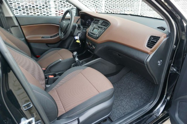 Hyundai i20 1.0tgdi blue i-drive cool 74kW (XJ-415-D)