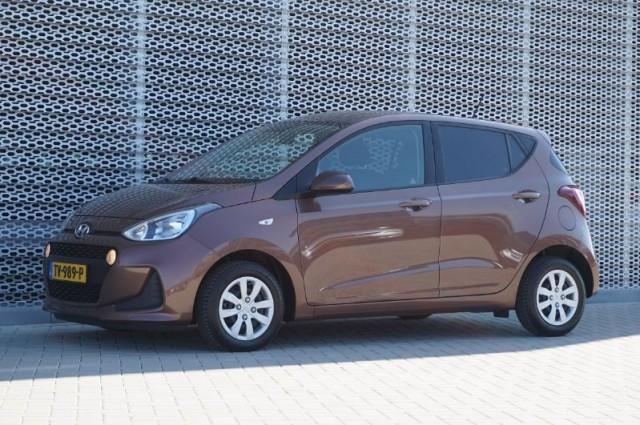 Private Lease nu als outlet aanbieding extra voordelig deze Hyundai i10 1.0i blue comfort 4p 49kW (TV-989-P) van IKRIJ.nl vanaf €189 per maand