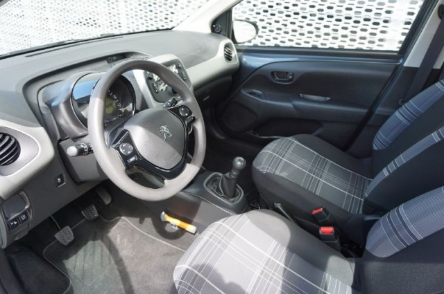 Peugeot 108 1.0evti active 50kW AIRCO+BLUETOOTH (RD-180-Z)