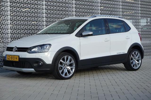 Private Lease nu als outlet aanbieding extra voordelig deze Volkswagen CrossPolo 1.2tsi 7-dsg aut Full Options (GZ-810-H) van IKRIJ.nl vanaf €329 per maand