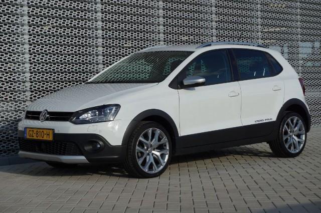Volkswagen CrossPolo 1.2tsi 7-dsg aut Full Options (GZ-810-H)